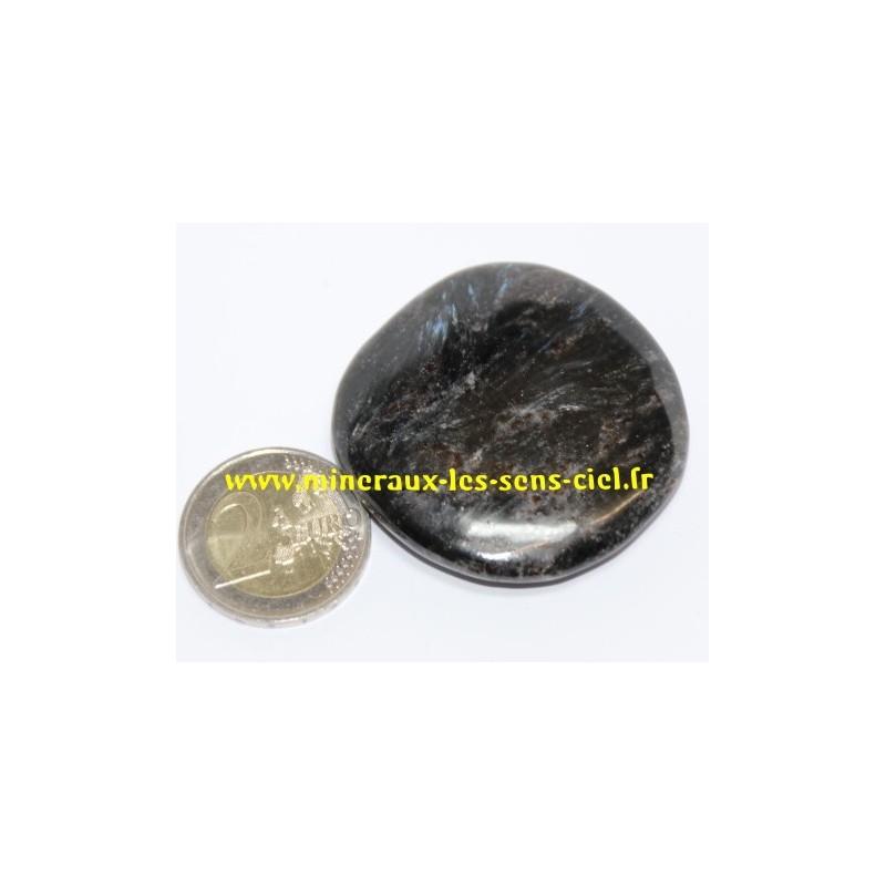 Astrophyllite galet pierre roulée