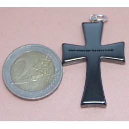 Pendentif croix Hématite