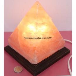 Lampe de sel Pyramide de l'Himalaya avec socle bois