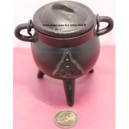 Chaudron noir fabriqué en Indes pour les rituels et la magie
