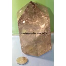 Pointe de quartz fumé pierre brute poli du Madagascar