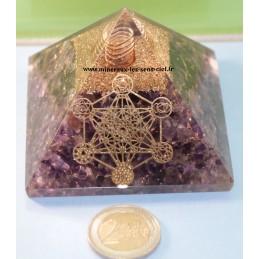 Pyramide en orgonite pierre améthyste avec l'archange Métatron