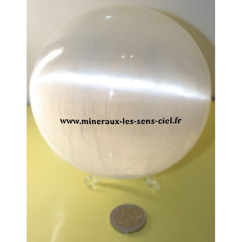 Sphère en pierre Sélénite blanche