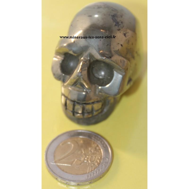 Crâne en pierre pyrite poli