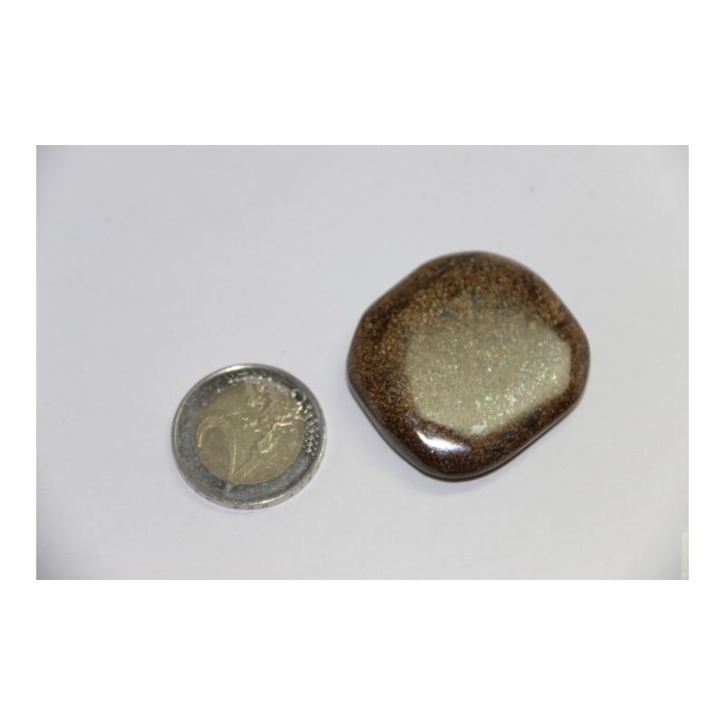 Bronzite galet pierre roulée